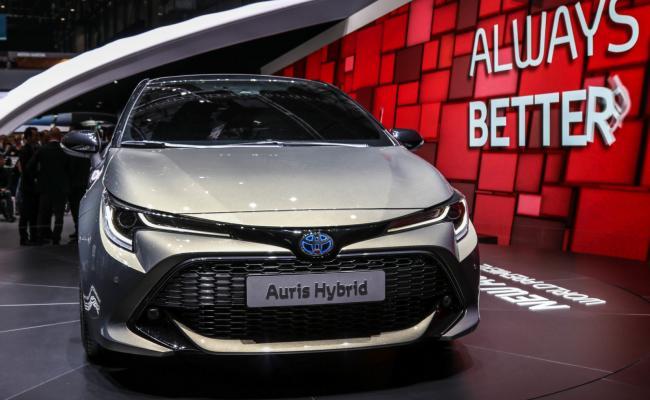 Novi Toyotin Auris brez dizelskih motorjev in z dvema hibridnima sklopoma