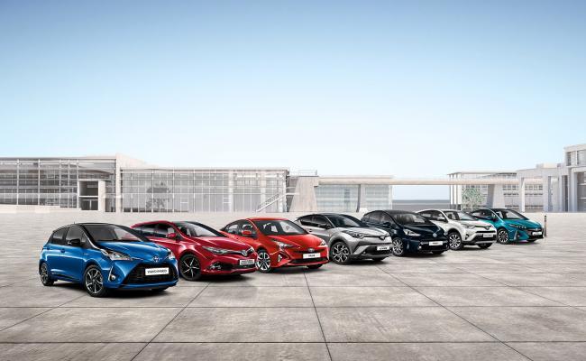45 % prodanih Toyot predstavljajo hibridi